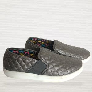 STEVE MADDEN QUILTED SLIP ONS SNEAKERS